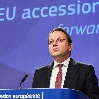 Brussels urges start to accession talks for Albania, Nth Macedonia