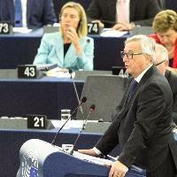 EU Parliament backs Juncker's refugee plan