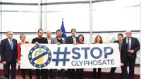 MEPs demand phasing out of glyphosate weedkiller