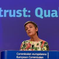 Chipmaker Qualcomm fined EUR 242m for 'predatory pricing'