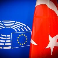 MEPs call on Turkey to lift state of emergency, denounce arrests